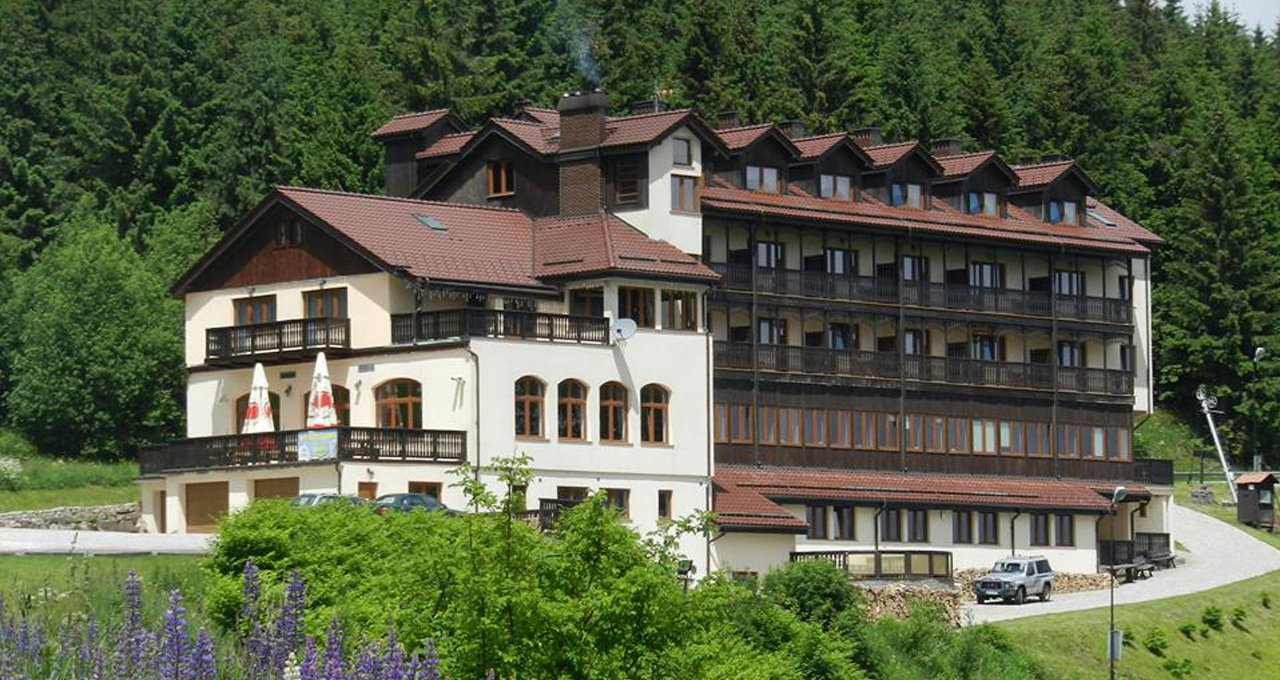 hotel rooms apartments holiday accommodation Sudety mountains resort in Poland